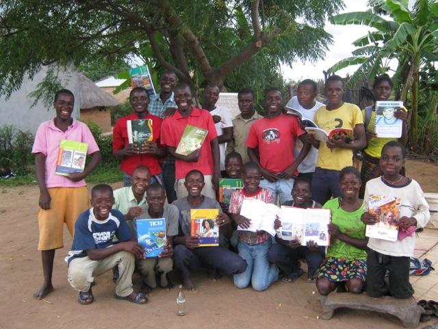 kids w new books